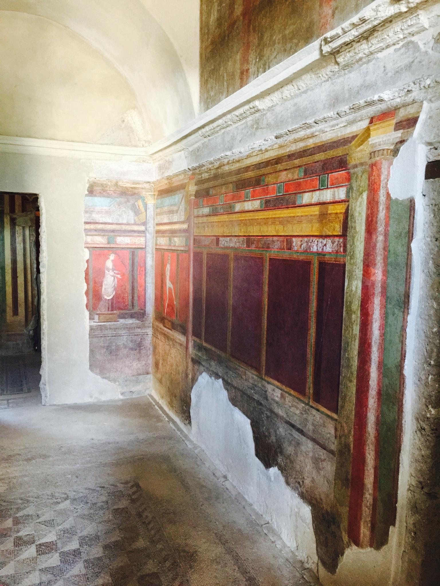 Sorrento to Pompeii- painting at Pompeii
