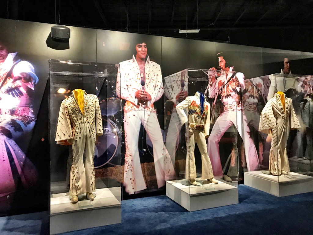 3 Days in Memphis | Elvis Statues