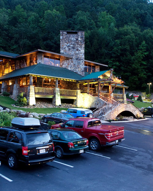 Noc Gatlinburg | The Smoky Mountains Are Calling