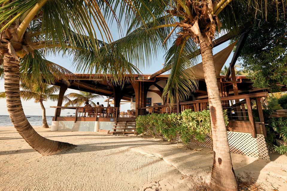 Ray Caye Resort
